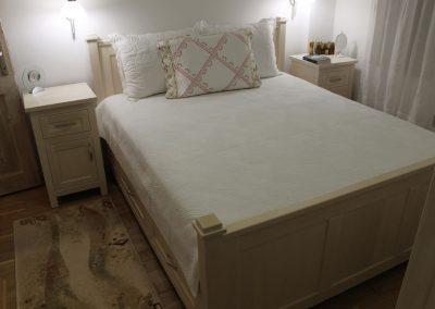 Beds (4)